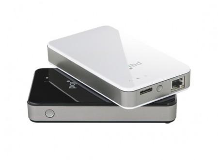 LANポート搭載で、アクセスポイントにもなるポータブルワイヤレスHDD、PQI「Air Bank」