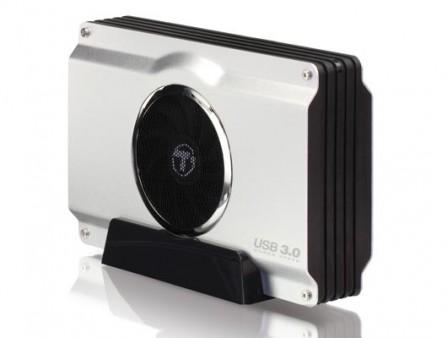 トランセンド、ミリタリーグレードの耐衝撃ポータブルHDD「StoreJet 25H3」にブルーモデル追加