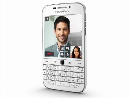 QWERTYキー&トラックパッドの王道デザイン「BlackBerry Classic」にホワイトが登場