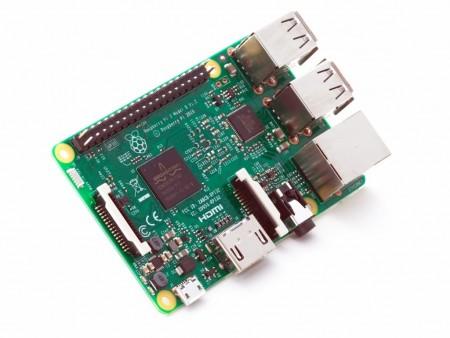 無線LANとBluetoothを標準装備する新小型Linux PC「Raspberry Pi 3」登場