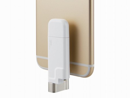 回転式コネクタでiPhoneと合体。ロジテック、最大64GBのLightning搭載USBメモリ「LMF-LGU2GWH」