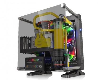 Mini-ITX対応の小型オープンフレームPCケース、Thermaltake「Core P1 TG」