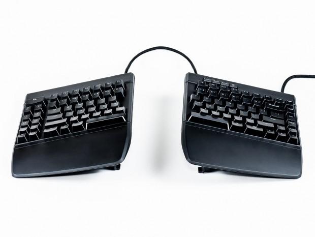Kinesisから、世界初左右分割エルゴのゲーミングキーボード「Freestyle Edge」登場