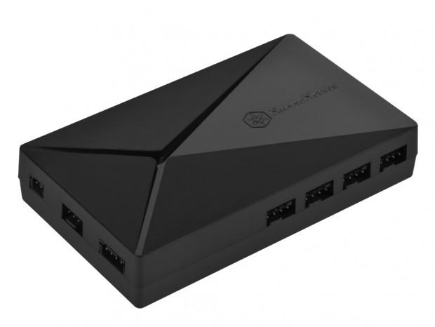 専用リモコンで遠隔操作ができるARGBコントローラ、SilverStone「LSB02-E」