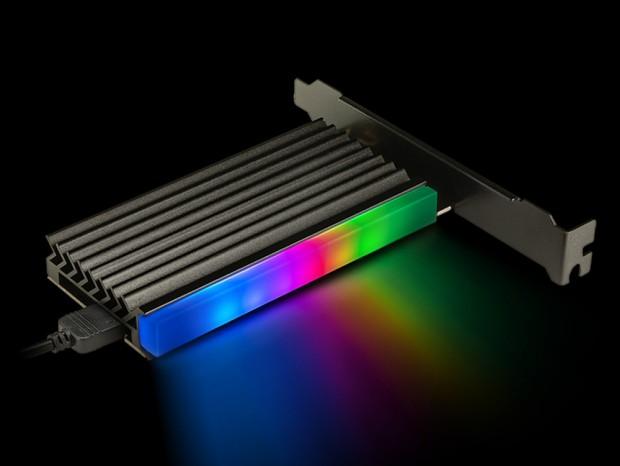 PCIe4.0対応のNVMe SSD変換アダプタ、センチュリー「NVMeを増やしタイ ARGB」