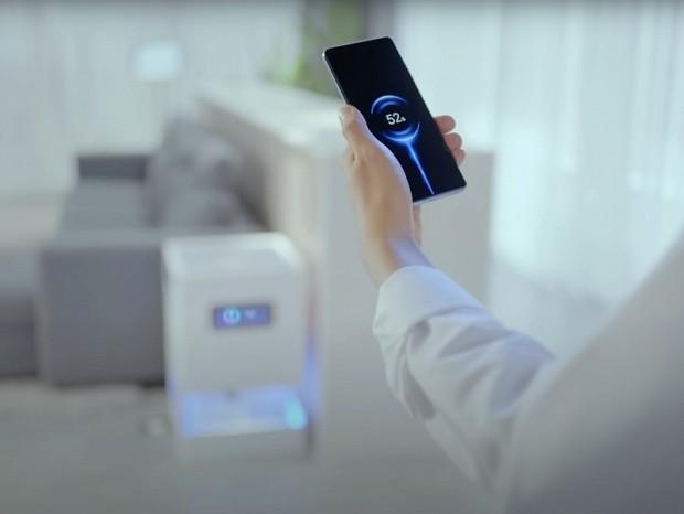 室内のスマホをビームフォーミングで充電、Xiaomiから革新的リモート充電技術が発表
