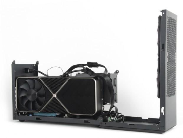 Intel NUC 9 Extreme Kitで300mm超えのVGAが使える専用ケース、SilverStone「Vital 4」